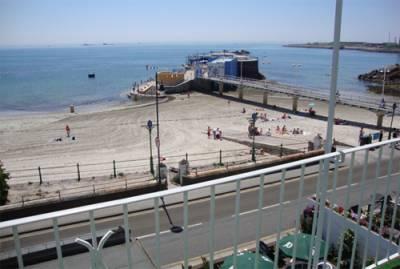 De L'Etang Guest House - Sea Views