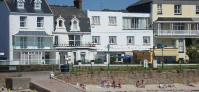 De L'Etang Guest House - Havre Des Pas - Jersey