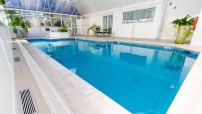 Sure Monterey Hotel - Indoor Pool