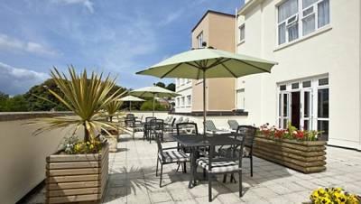 Norflok Lodge Hotel - Sun Terrace