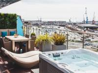 Royal Yacht Hotel - Penthouse Suite