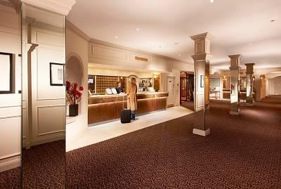 St Pierre Park Hotel + Golf Resort - Reception