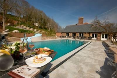 Stock Hotel - Outdoor Pool